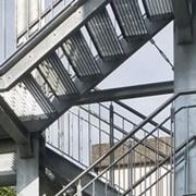 SMS Stahl- & Metallbau Seligenstadt Überdachte Fluchttreppe