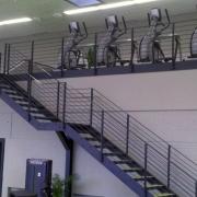 Treppe und Galerie - Fitness-Studio
